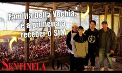 Família Della Vechia, é a primeira a receber o SIM (Serviço de Inspeção Municipal)
