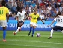 Com gol na prorrogação, França vence e elimina Brasil no Mundial Feminino