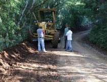 Palma Sola da prosseguimento na recuperação de estradas rurais
