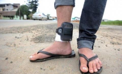 Proposta para obrigar preso a pagar por tornozeleira avança em Santa Catarina