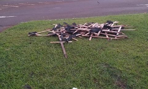 SOS BR 163/SC: Vândalos retiram cruzes instaladas no acesso a São José do Cedro