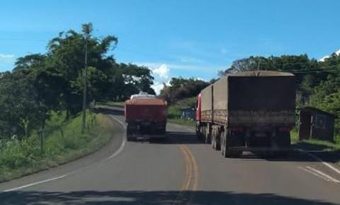 Polícia Militar Rodoviária aplica 17 multas por ultrapassagens em local proibido