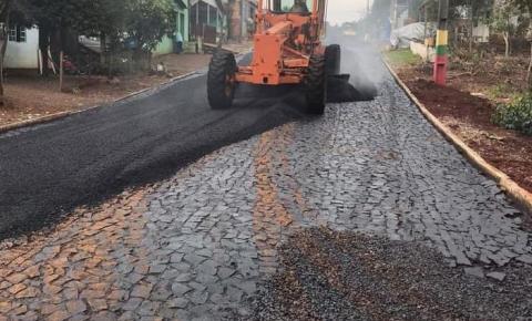 Pela primeira vez bairro Palmares é contemplado com asfalto