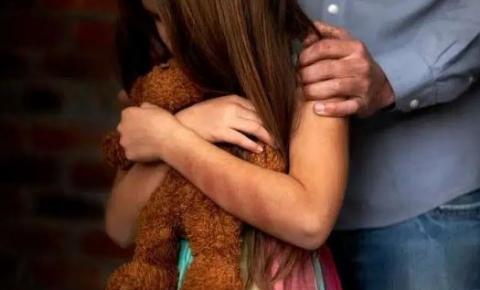 Pai é suspeito de estuprar e engravidar a filha de 13 anos