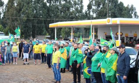 Palmassolenses realizam carreata e reivindicam liberdade à nação