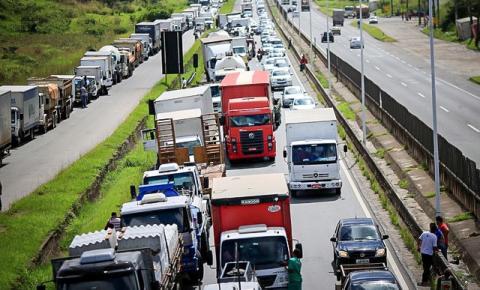 Concentração de caminhoneiros diminui em todo o país