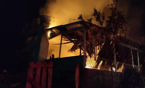 Incêndio destrói casa em Romelândia
