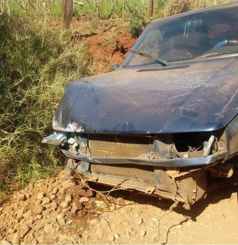 Motorista perde controle e bate em caminhão em Palma Sola